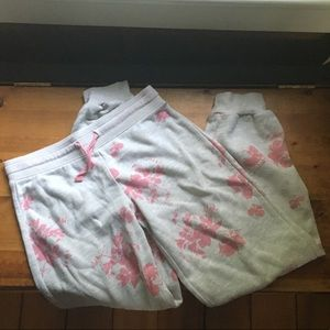Old Navy Girls size M/8 cuffed floral sweatpants